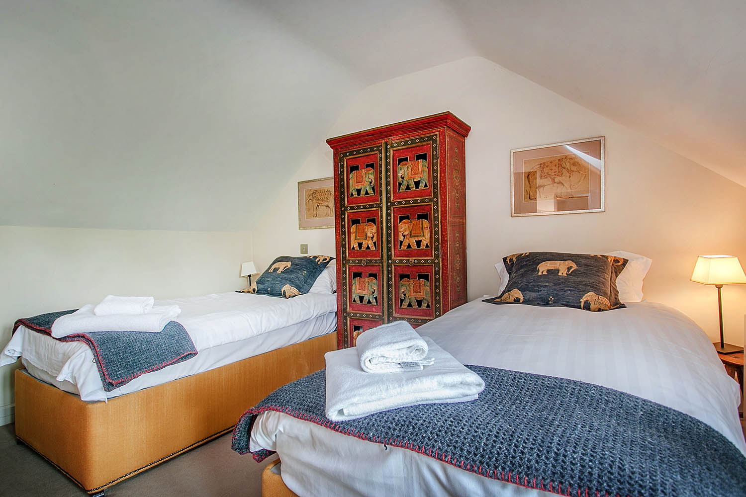 image of the twin bedroom at The Garden House, Lilycombe Farm